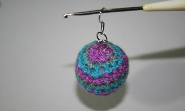 Knitted jewelry: set of knitted beads