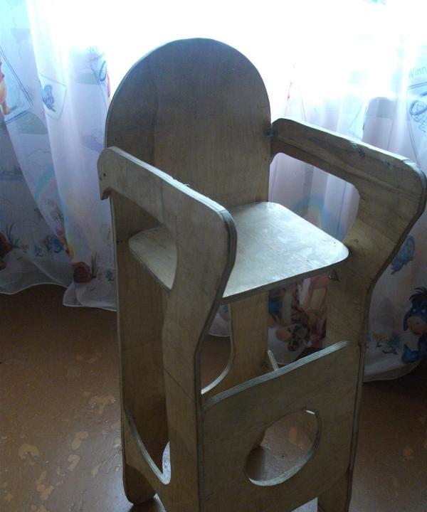 Mobilier pentru copii - fotoliu înalt