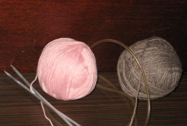 ace de tricotat și fire