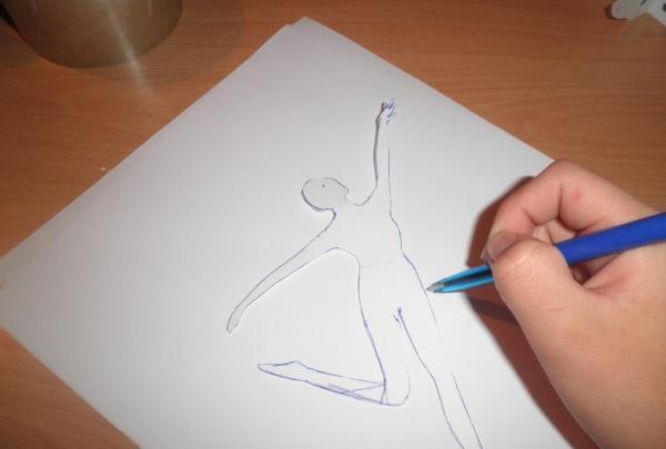 desenați un model de balerină dansatoare