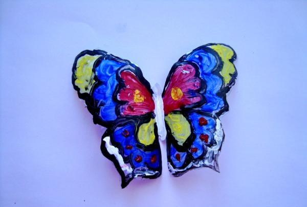 Farvet glas sommerfugl