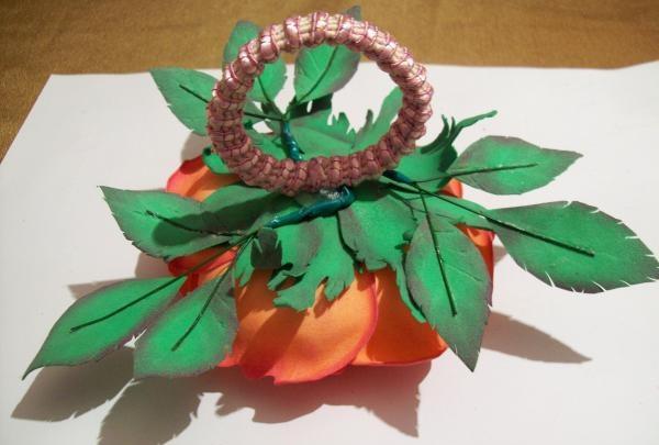 elastisk bånd til hår fra foamiran