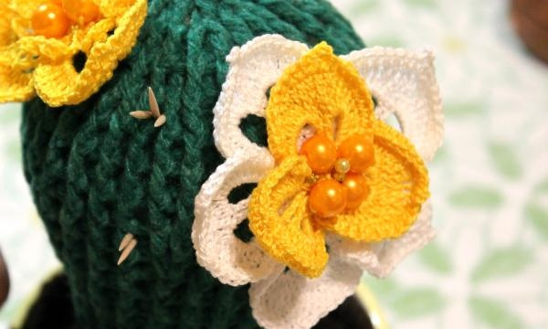 Blomstrende kaktus hæklet