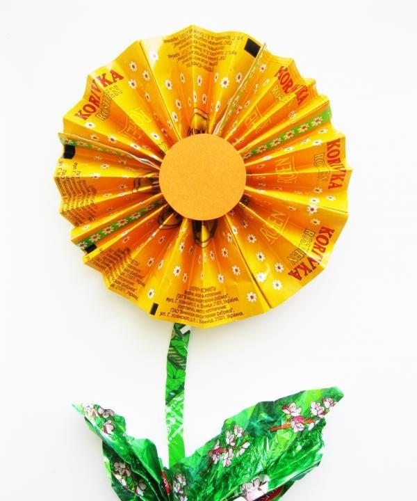 Blomst fra slikpakninger fra slik