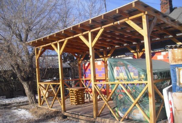 Vi bygger et lysthus til en sommerresidens