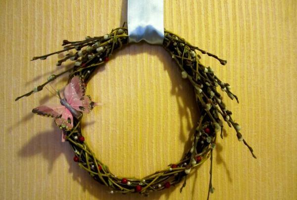 Coroana decorativă pentru Paște