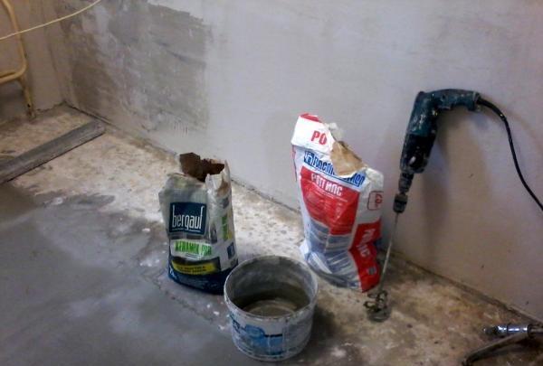 Przygotowanie podłogi do układania płytek