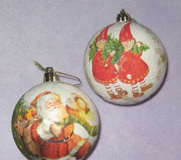 Decoupage baluri de Crăciun