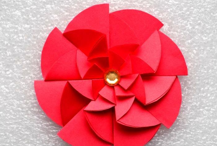 Oryginalny papierowy kwiat