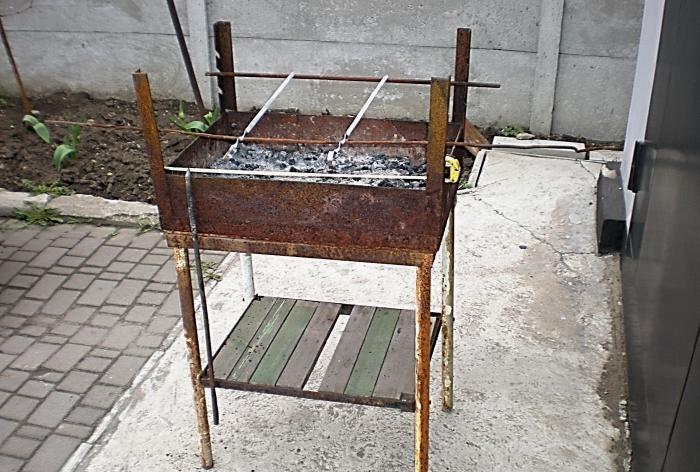 Produção de churrasco sem solda