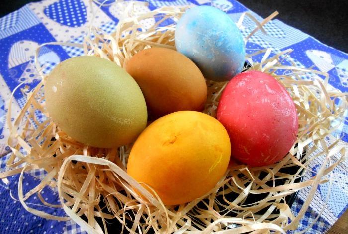 naturalna farba do jajek