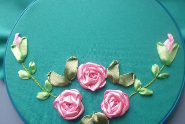 Șervețel cu trandafiri