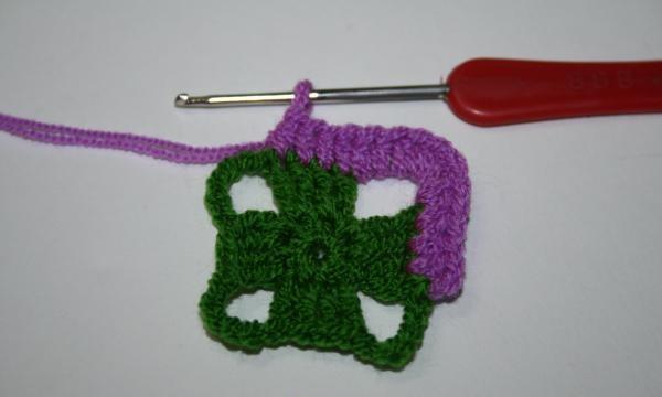 începe tricotarea în continuare
