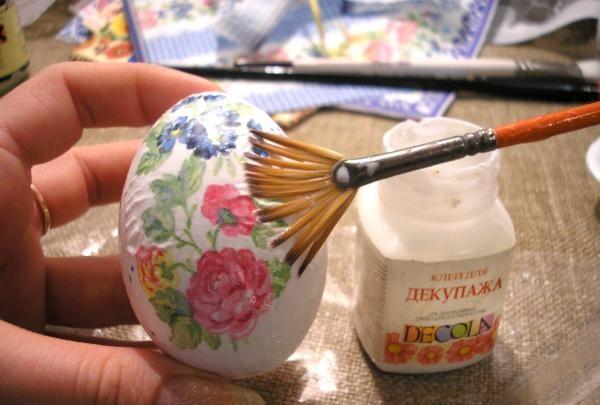 decorarea mesei de Paște