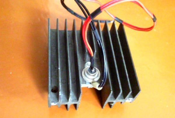 încărcător tiristor