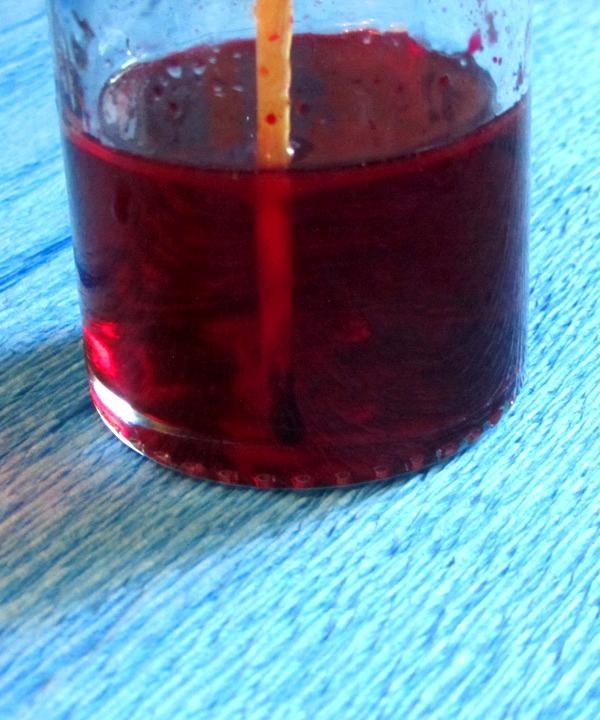 Apa de culoare