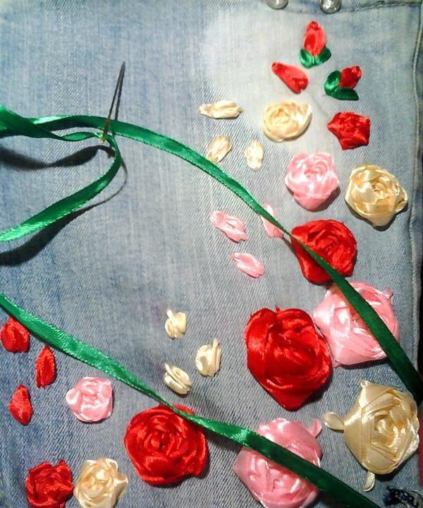 brodează trandafiri