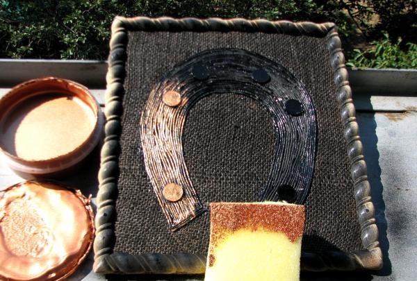 Aplicăm vopsea acrilică din bronz