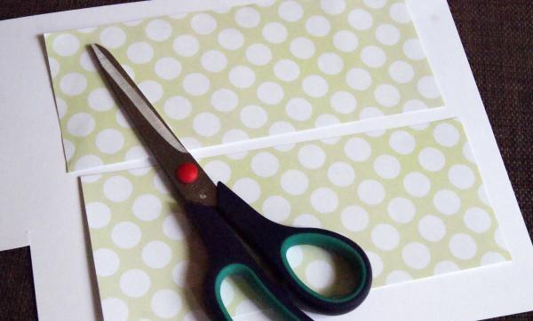 dekoratif kağıt detaylarını kesmek