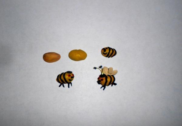 เราหันไปผลิตผึ้ง