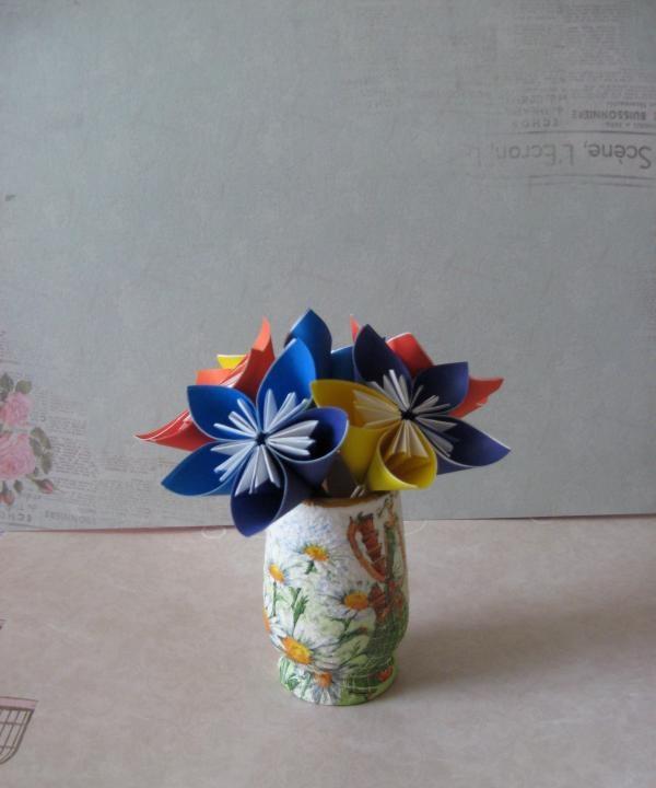 Flori de hârtie Origami
