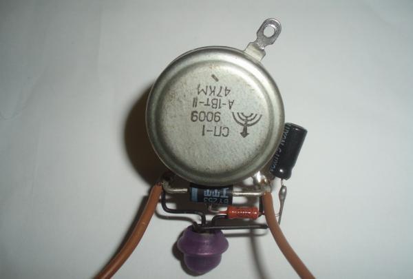 Regulator de temperatură a fierului de lipit