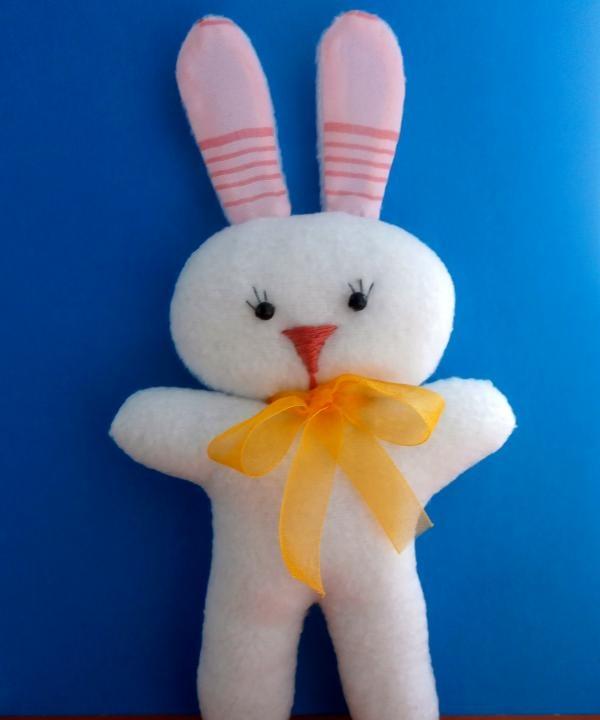 ของเล่นนุ่มกระต่ายด้วยธนู