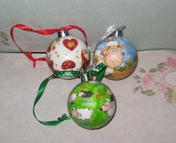 ลูกบอลต้นคริสต์มาส