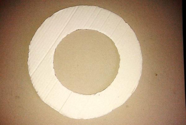 ฐานพวงหรีดกระดาษแข็ง