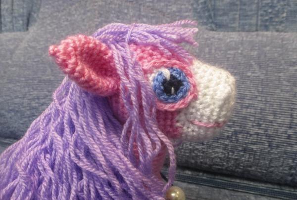 hæklet hest