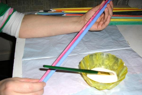 lim to farverige rør