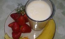 Naudingas naminis jogurtas jūsų mažiesiems