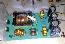 Leistungsstarker Wandler zur Versorgung des Subwoofers aus dem Bordnetz 12 Volt