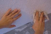 Keo dán tường trên trần nhà