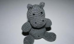 Hipopotă tricotată