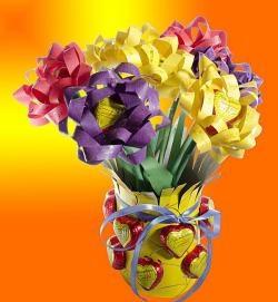 Букет от бонбони от цветна хартия