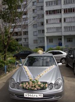 Декорация за сватбена кола