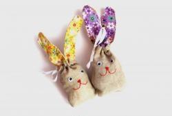 Bir tavşan şeklinde tatlılar için çanta