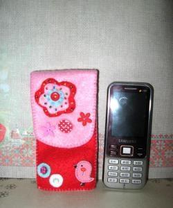 Калъф за мобилен телефон от филц