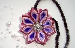 Floare violet