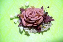 Clip tóc hoa hồng boho làm bằng bọt