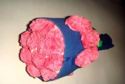 Oluklu kağıt çiçekler buket