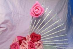 Фенове с гофрирани рози