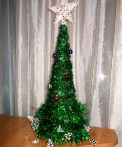 Коледно дърво, направено от тензух