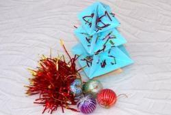 Hacimsel Noel ağacı kağıttan yapılmış