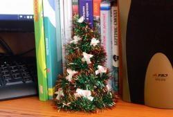 Kalėdų eglutė, pagaminta iš alavo