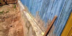 Reparation af grundlaget for et træhus