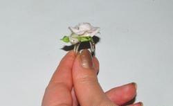 Šalto porceliano rožių žiedas