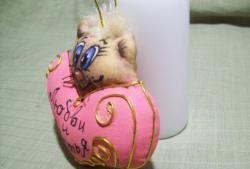 Kumaştan yapılan ana sınıf kalpler kediler