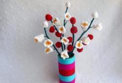 Dekoratif çiçek tığ işi